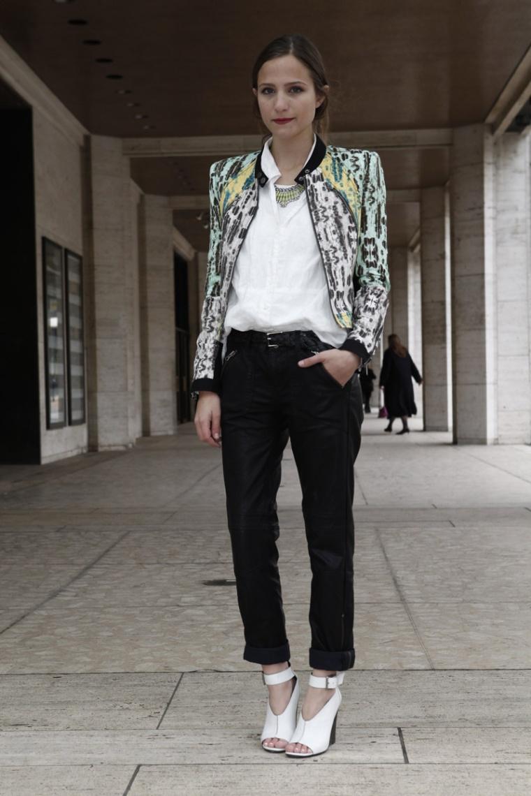 los_mejores_looks_de_street_style_en_la_semana_de_la_moda_de_nueva_york_710602761_800x1200